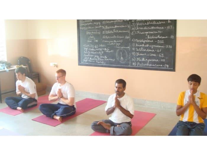 Oplevelser med andre unge i Indien