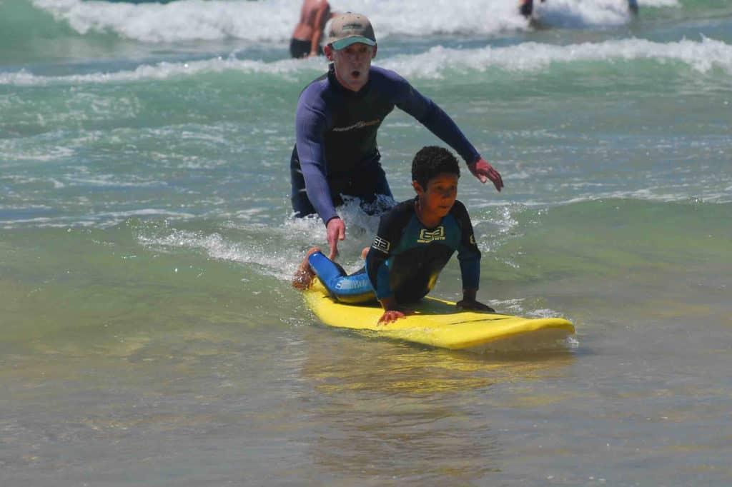 Børnesurf træning i Sydafrika
