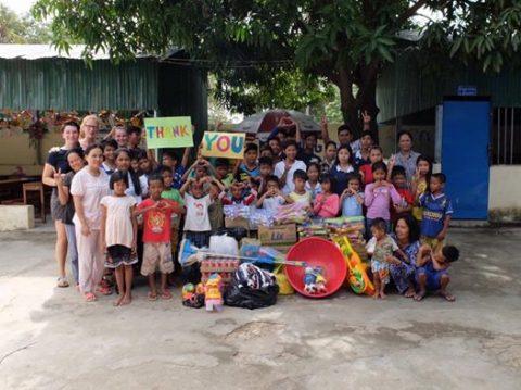 Indsamling til julefest og dejlige unger i Cambodia