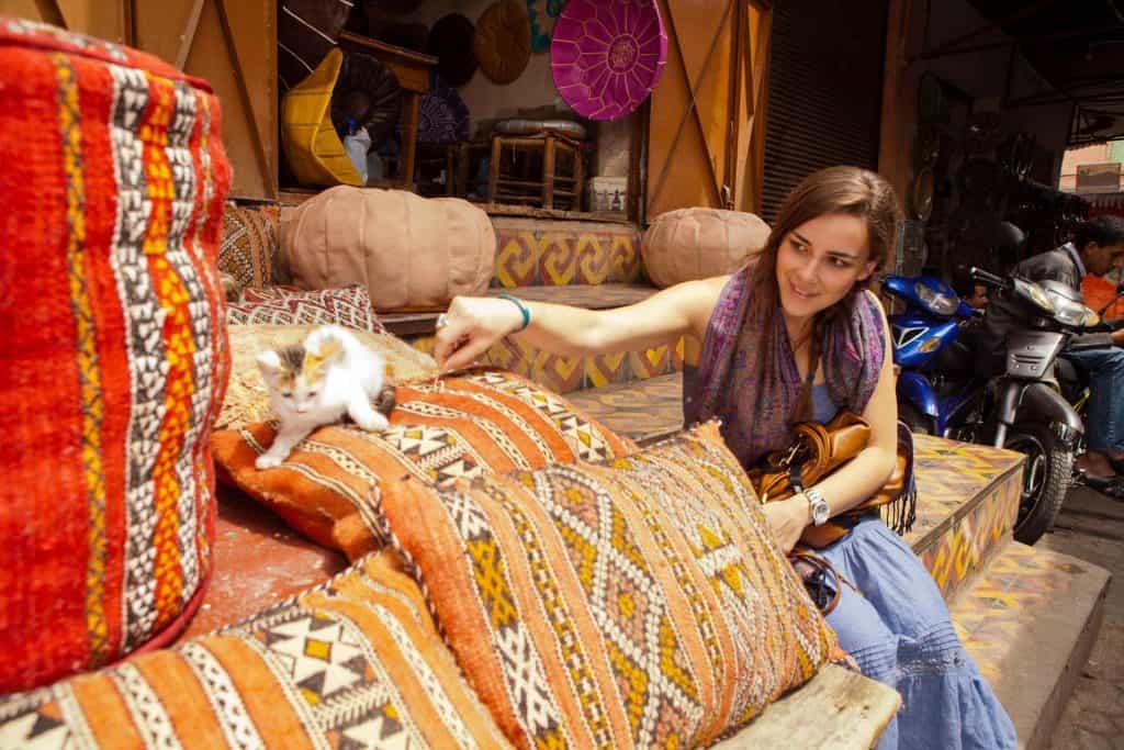 Mosaik og pyntepuder i Marokko