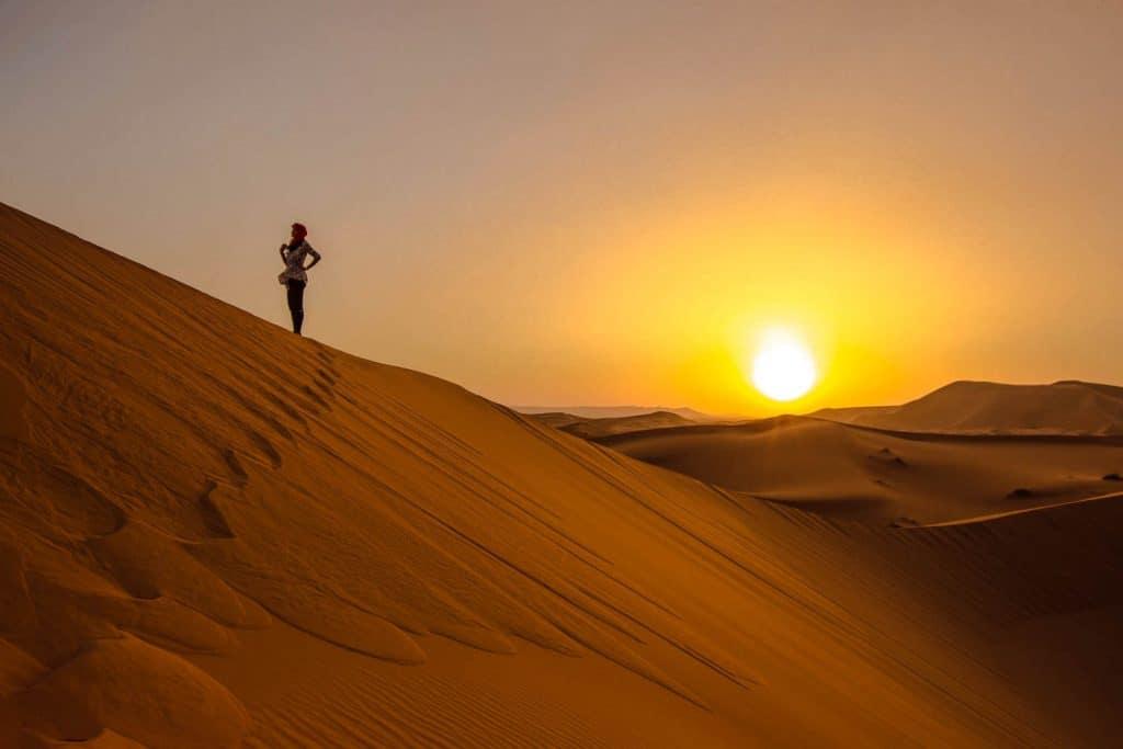 Se solnedgang på din backpackerrejse